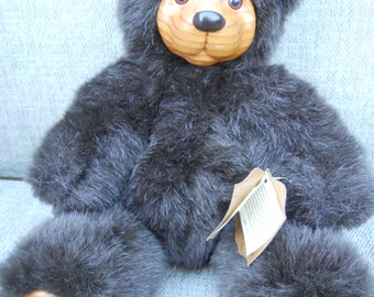 """Vintage Robert Raikes Wood Face Bear """"Cookie"""" - Dated 1989 with Original Tags"""