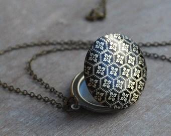 Vintage inspired locket necklace / keepsake / tapestry flowers black antique bronze /