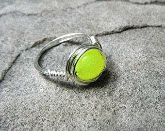 Neon Peridot Ring, Yellow Stone Ring, Wire Wrapped Ring, Silver Ring, Neon Yellow Ring, Wire Wrapped Jewelry Handmade, Gemstone Ring