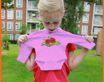 Roses! Personalized onesie with roses (and the name of the baby)