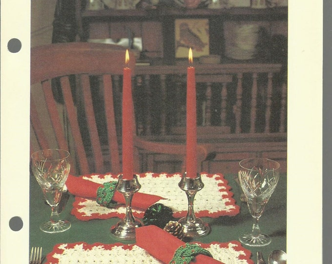 Holiday Table Set crochet pattern download placemats and napkin rings
