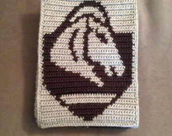 Skyrim inspired crochet/cross-stitch PDF pattern of Whiterun crest