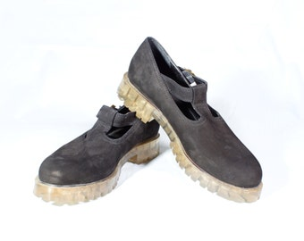 VTG 90's Black Leather Mary Jane Flats Womens size 6 1/2 Grunge Chunky T Strap Retro Flats with Clear Plastic Soles
