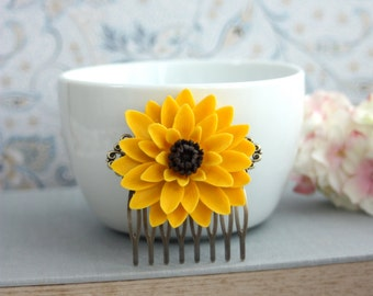 Sunflower Wedding. Yellow Sun Flower Floral Comb. Large Chrysanthemum Mum Flower, Statement Comb. Bridesmaids Gift, Yellow Summer Wedding