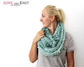 Chunky Knit Scarf / Infinity Scarf / Circle Scarf / Knit Scarf, Infinity Scarf, Hand Knit Infinity Scarf, Mint Scarf / Birthday Gift