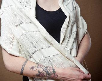 Minimal Arete - Handwoven shawl