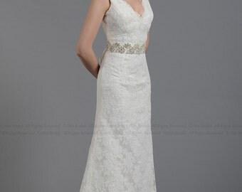 Ivory lace wedding dress, sleevelss V-back alencon lace
