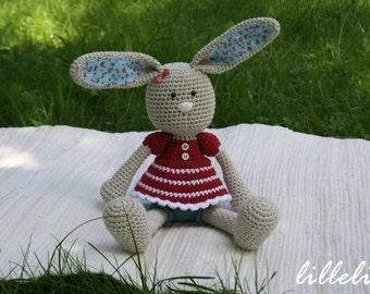 PATTERN - Frilly-pants Bunny - crochet pattern, amigurumi pattern, PDF