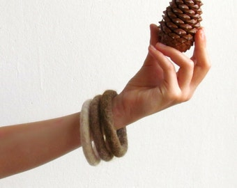 Ombré Stacking bracelet / felt soft jewelry / shade of brown / eco-friendly / felted wool / Set of three