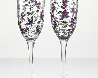 Champagne Flutes, Purple Tulips design, Wedding Glasses,  Hand Painted Floral Glasses,  Set of 2, Painted Tulip Glasses