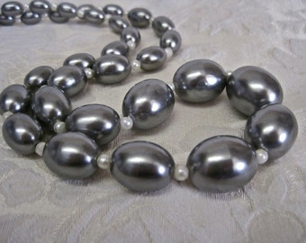 Graduated Grey Pearls: Vintage Smoky Steel Gray Gunmetal Lustrous Oval Beads with White Pearl Separators
