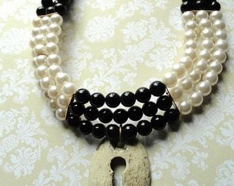 Victorian Jewelry, Black and White Beaded Choker, Keyhole Pendant, Edwardian Jewelry, Victorian Choker, Statement Necklace, upcycled jewelry