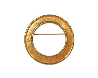 Vintage Trifari Gold Circle Brooch