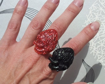Handmade Anatomically Correct Red Glitter Black Heart Ring Vintage Art Deco Style Very Gothic Steampunk
