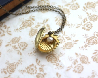 Ariel's Locket. Little Melody Locket Necklace. Mermaid Shell Locket. Shell Gold Locket. Freshwater Pearl Necklace.For Daughter. For Sister