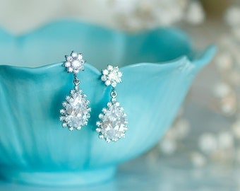 Cubic zirconia earrings, wedding jewelry, wedding earrings for brides, Bridal earrings, crystal teardrop earrings, Silver teardrop earrings,