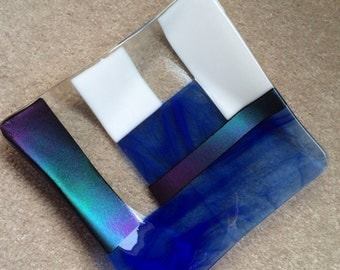 Iridescent fused glass plate in dichroic and blue