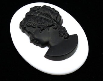 30mm x 40mm Black and White Cameo #1034