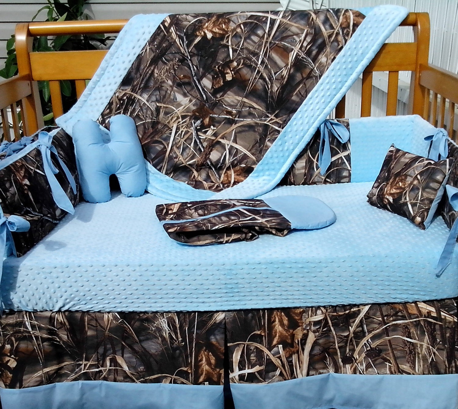 7 Piece Real Tree Max 4 Advantage Camouflage And Baby Blue