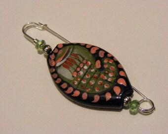 Paisley Porcelain Kilt Pin.........Lot 150