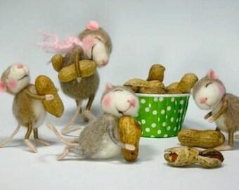 Needle Felted Animal Tutorial / Needle Felted Pattern / Needle Felted Mouse & Bunny / Needle Felting / Wool Roving / Wool Fleece / Pattern