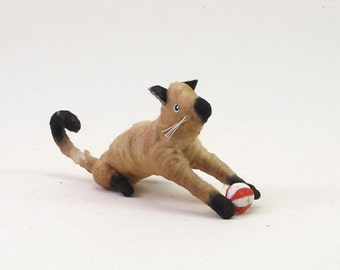 Vintage Style Spun Cotton Cat With Ball Figure/Ornament