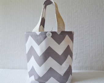 Medium Gift Bag - Large Chevron in Gray