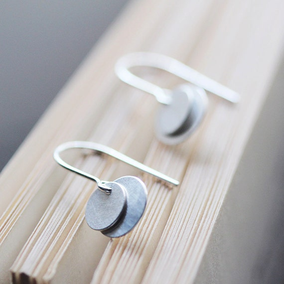 bellissima - brushed silver coin earrings