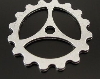 Altered Art Metal Gear SPROCKET steampunk GEAR  quantity five z14 color   silver
