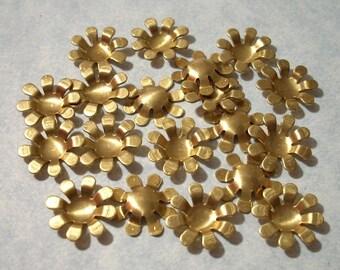 16 Brass Flower Settings 13mm Stone Settings Flower Stampings