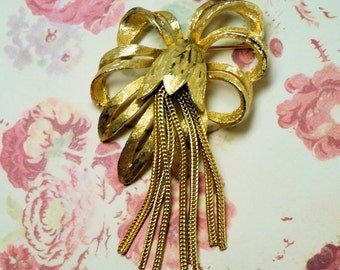 Vintage Ladies Brooch, Gold Ribbon Flower Brooch, Ladies Floral Pin, Pretty Ladies Gift