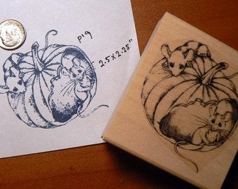 Mice on pumpkin rubber stamp WM P19
