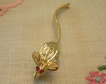 Adorable Little Gold Tone Mouse Lapel Pin with Moving Tale