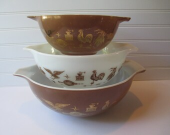 Vintage Pyrex Early American Cinderella Mixing Bowls Set of Three