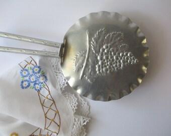 Aluminum Grape Silent Butler - Vintage Charm