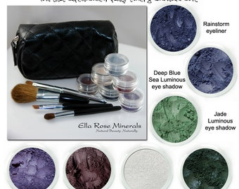 Fashionista Smoky eye kit.  For that supermodel, party time glamorous look.  Violet, green and blue Smoky eye looks.