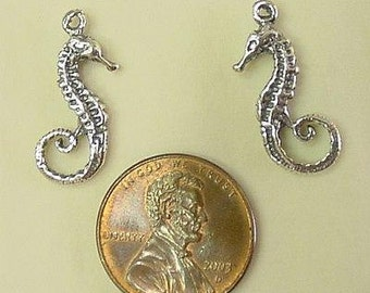 The Swan Sterling Seahorse Charm Pendant Center B92S