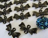 10 pcs Antiqued Bronze bowknot connector drops, jewelry connectors, antique bronze connectors, 20x10mm CN404