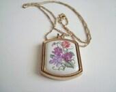 Vintage Avon Porcelain Floral Pendant Necklace