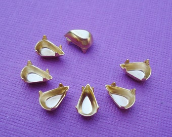 Gold Plated 8x4mm Pear/Teardrop Closed Back NO RINGS Settings (6 pieces)