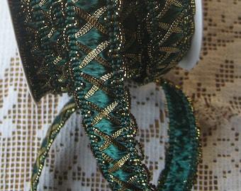2 Yards Fancy Metallic And Fabric Sewing Trim In Hunter Green