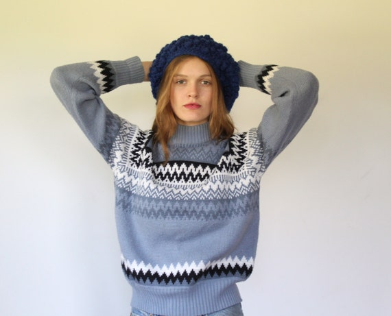 vintage scandinavian sweater. Medium / Large. 1970s slate blue turtleneck. Icelandic sweater. Chevron ski sweater / the SNOWCAPS pullover