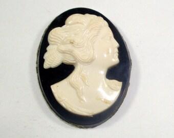 Vintage Cameo, Plastic, Faux  Cameo  Cabochon  (526-13)