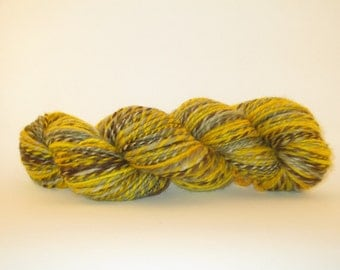 Vincent VAN GOGH  204yds Handdyed and Handspun Superwash BFL Blue Faced Leicester Wool Yarn