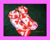 Kids size 10/11/12 Fleece Valentines Slippers, Non Slip Sole, Better than Candy, Girl Boy, Free US Shipping, Other sizes listed