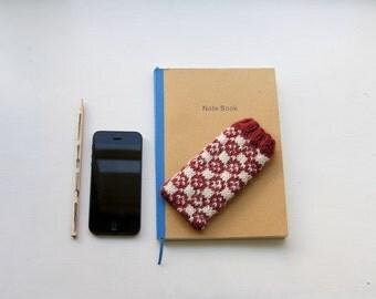 Faeroe Island Smartphone Cosy PDF Knitting Pattern