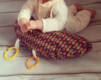 Organic Tummy Time Pillow, Blossoms