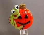 Jack O'Lantern Frog Glass Focal Bead