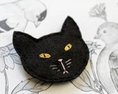 Felt Black Cat Hair Clip // Spooky // Cat Lover Crazy Cat Lady // Embroidered Cat Head Hair Accessory // Handmade by OrdinaryMommy on Etsy