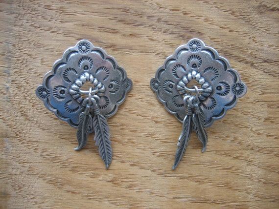 Vintage 1983 PEWTER CONCHO FEATHER Earrings